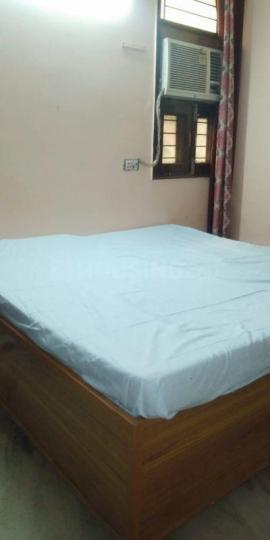 जीटीबी नगर में गर्ल्स पीजी के बेडरूम की तस्वीर