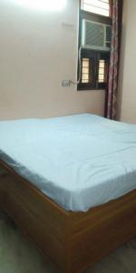 Bedroom Image of Girls PG in GTB Nagar