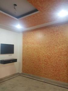 Gallery Cover Image of 900 Sq.ft 3 BHK Independent Floor for rent in Uttam Nagar for 12500