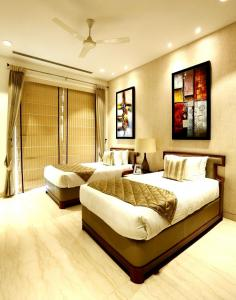 Gallery Cover Image of 1380 Sq.ft 2 BHK Apartment for buy in Sector 22 for 15000000