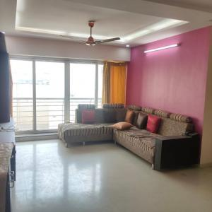 Gallery Cover Image of 1500 Sq.ft 3 BHK Apartment for rent in Ghatkopar West for 60000