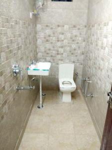 Bathroom Image of Euro PG For Girls in Pitampura