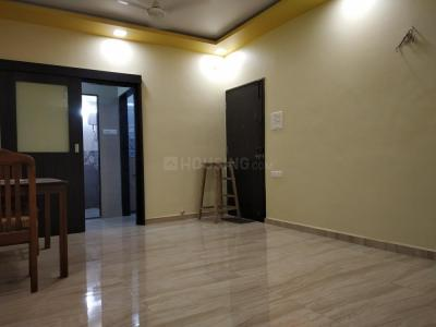 Gallery Cover Image of 700 Sq.ft 1 BHK Apartment for rent in Little Flower Apartment, Bandra West for 70000