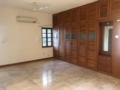 Gallery Cover Image of 2450 Sq.ft 3 BHK Apartment for buy in Besant Nagar for 35000000