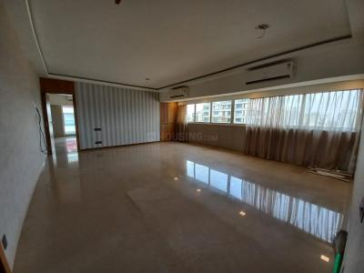 Gallery Cover Image of 1800 Sq.ft 3 BHK Apartment for rent in Gorwani Palacio, Khar West for 200000