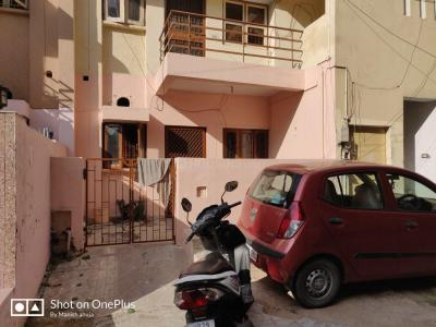 Gallery Cover Image of 900 Sq.ft 1 BHK Independent Floor for buy in DLF Phase 1 for 6200000
