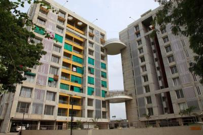 Gallery Cover Image of 1800 Sq.ft 3 BHK Apartment for rent in Sangath Pylon, Koteshwar for 15000