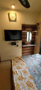 Gallery Cover Image of 950 Sq.ft 2 BHK Apartment for buy in Poonam Heights, Virar West for 5550000