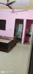 Gallery Cover Image of 350 Sq.ft 1 RK Independent Floor for rent in Sector 18 for 5500