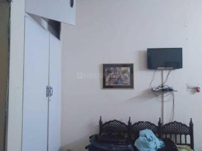 Bedroom Image of Rakesh PG in Preet Vihar
