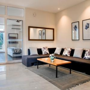 Gallery Cover Image of 1600 Sq.ft 3 BHK Independent Floor for buy in Sector 51 for 14000000