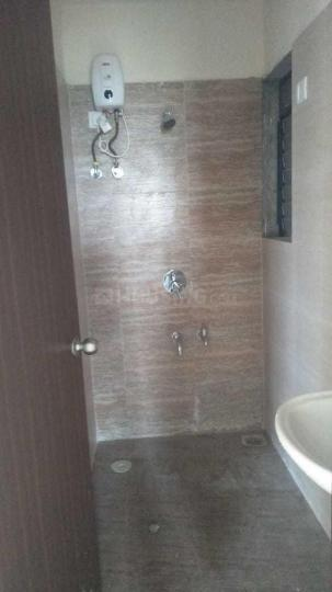 Common Bathroom Image of 920 Sq.ft 2 BHK Apartment for rent in Kalyan West for 12000