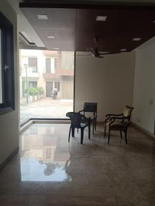 Gallery Cover Image of 4000 Sq.ft 4 BHK Independent House for rent in Chhattarpur for 150000