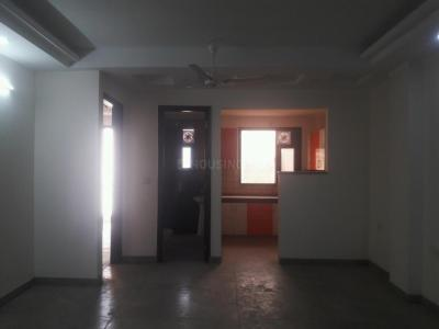 Gallery Cover Image of 1200 Sq.ft 3 BHK Apartment for rent in Vasant Kunj for 25000