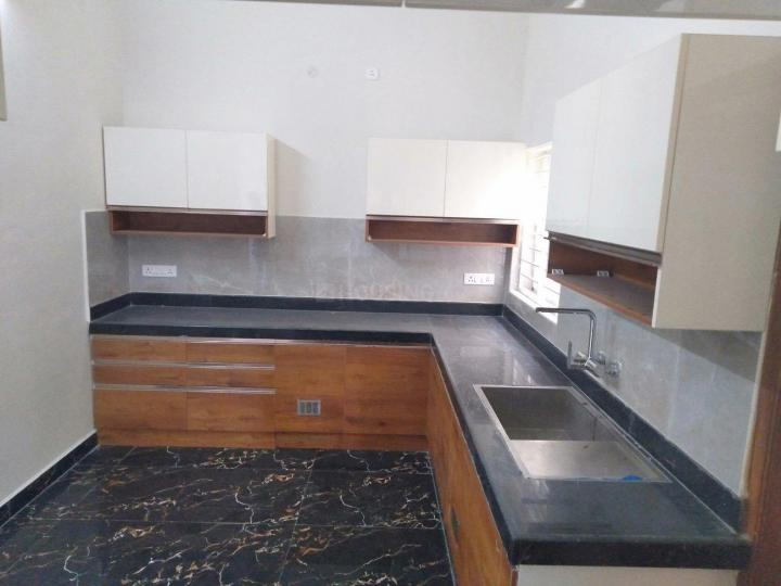 Kitchen Image of 1860 Sq.ft 3 BHK Apartment for rent in Kottivakkam for 32000