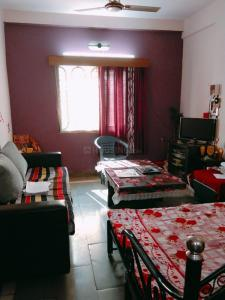 Gallery Cover Image of 750 Sq.ft 2 BHK Apartment for buy in Anand Nagar for 1300000