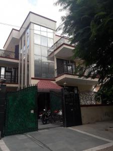 Building Image of Lakra PG in Sector 22