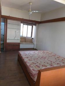 Gallery Cover Image of 920 Sq.ft 1 BHK Apartment for rent in Bandra West for 55000