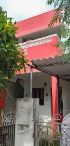 Gallery Cover Image of 2400 Sq.ft 6 BHK Independent House for buy in Kovilambakkam for 15000000