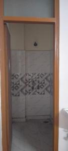 सेक्टर 83  में 2  खरीदें  के लिए 83 Sq.ft 2 BHK अपार्टमेंट के बाथरूम  की तस्वीर