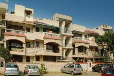 Gallery Cover Image of 1300 Sq.ft 3 BHK Independent Floor for buy in Sector 54 for 11000000