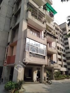 Gallery Cover Image of 1300 Sq.ft 3 BHK Apartment for buy in Vasundhara for 6030000