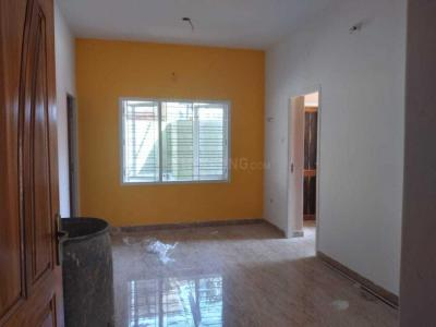 Gallery Cover Image of 1000 Sq.ft 2 BHK Apartment for rent in Cholamandhal Srivari Flats, Mudichur for 18000