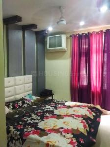 Gallery Cover Image of 1095 Sq.ft 2 BHK Apartment for rent in Omkar Royal Nest, Noida Extension for 10000