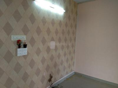 Gallery Cover Image of 980 Sq.ft 2 BHK Apartment for rent in Madambakkam for 10000