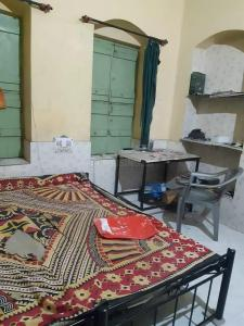 Gallery Cover Image of 1500 Sq.ft 1 RK Independent Floor for rent in Kasba for 6000