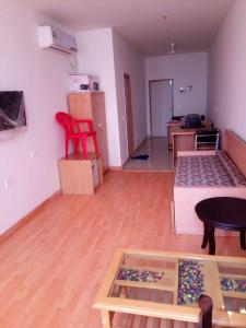 Gallery Cover Image of 485 Sq.ft 1 BHK Apartment for rent in Knowledge Park 3 for 12000