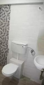 Common Bathroom Image of Homestay in Andheri West