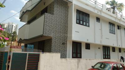 Gallery Cover Image of 2500 Sq.ft 5+ BHK Independent House for buy in Vazhottukonam for 12500000