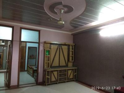 Gallery Cover Image of 1000 Sq.ft 2 BHK Independent Floor for rent in Vasant Kunj for 24000