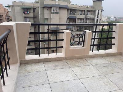 Gallery Cover Image of 2000 Sq.ft 3 BHK Apartment for rent in Vedanta Apartment, Sector 23 Dwarka for 37000