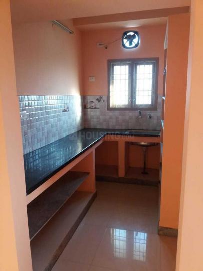 Kitchen Image of 650 Sq.ft 2 BHK Apartment for rent in Perungalathur for 10000