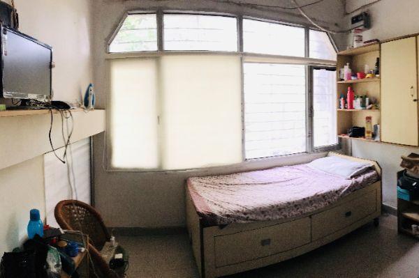 नेहरू प्लेस में प्रभा पीजी के बेडरूम की तस्वीर