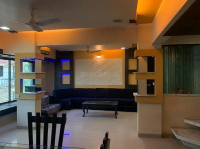 Gallery Cover Image of 1500 Sq.ft 4 BHK Apartment for rent in Ashok Nagar Complex, Andheri East for 80000