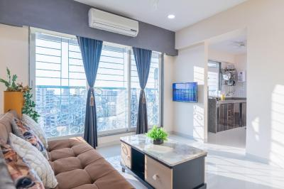 Gallery Cover Image of 650 Sq.ft 1 BHK Apartment for buy in Bandra West for 19500000
