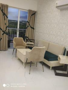 Gallery Cover Image of 1050 Sq.ft 2 BHK Apartment for buy in Imperia Prideville, Surajpur Site V for 5460000