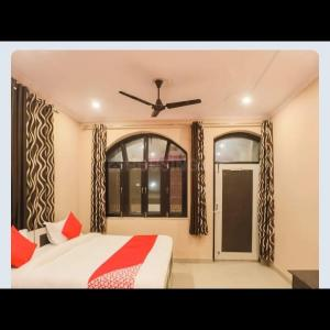 Bedroom Image of Lrs Apartment in Madanpur Khadar