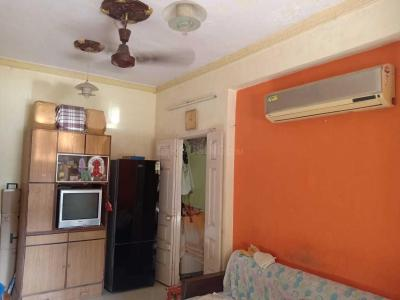 Gallery Cover Image of 650 Sq.ft 1 BHK Apartment for rent in Borivali East for 18000