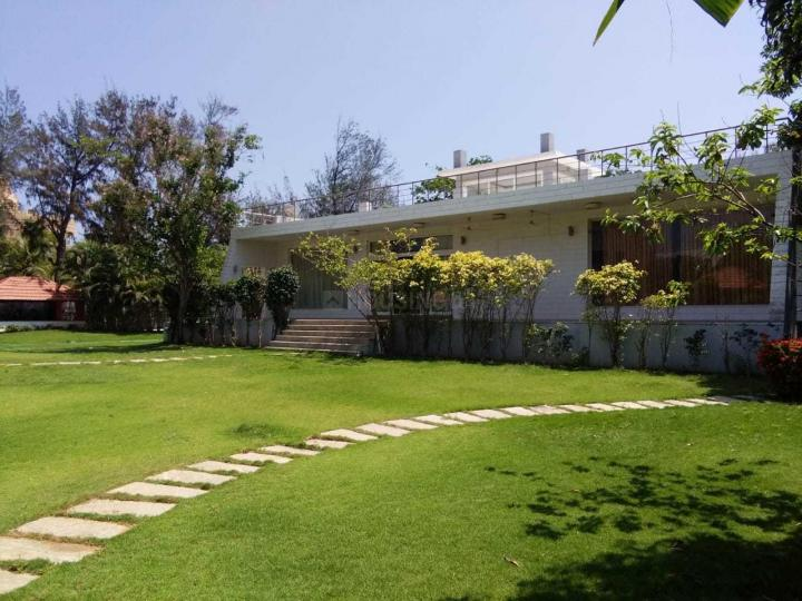 Garden Area Image of 4000 Sq.ft 4 BHK Independent House for rent in Uthandi for 175000