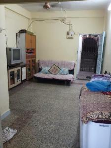 Gallery Cover Image of 200 Sq.ft 1 RK Apartment for buy in Mulund East for 2800000