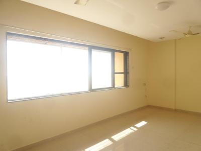 Gallery Cover Image of 1250 Sq.ft 3 BHK Apartment for rent in Kandivali West for 32000