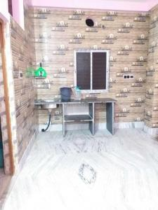 Gallery Cover Image of 406 Sq.ft 1 BHK Apartment for rent in Keshtopur for 6000