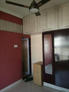 Gallery Cover Image of 1100 Sq.ft 2 BHK Apartment for rent in Airoli for 32000