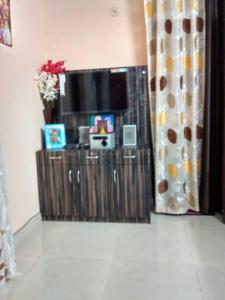 Gallery Cover Image of 350 Sq.ft 1 BHK Apartment for rent in Saj Apartment, sector 73 for 7000