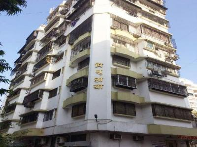 Gallery Cover Image of 1200 Sq.ft 3 BHK Apartment for rent in Dadar West for 110000