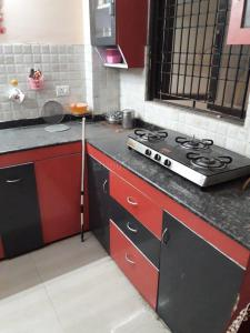 Gallery Cover Image of 1100 Sq.ft 2 BHK Apartment for rent in Kalyan Apartment, Swaroop Nagar for 11555